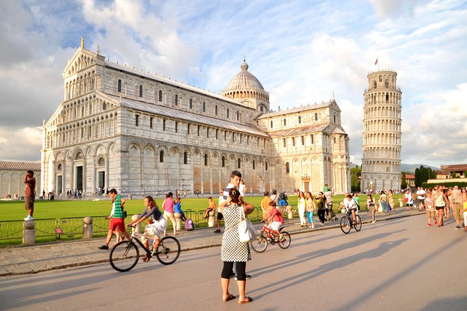 Pisa Guided Walking Tour and Leaning Tower Tickets