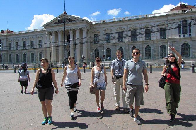 Visita della città di San Salvador e avventura