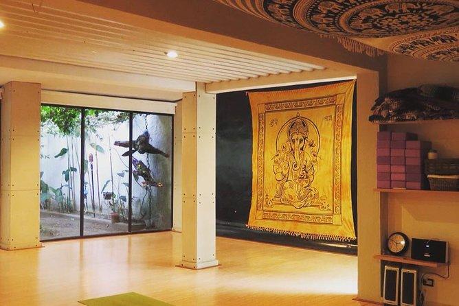 San Salvador Stop Over Yoga Class e City Tour