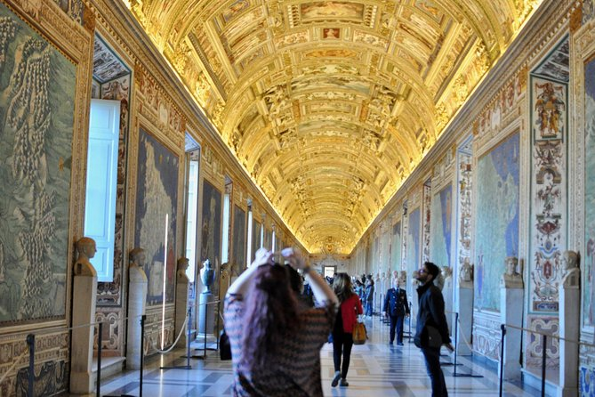 Skip the Line: Small Group Stories of the Vatican Tour including St. Peter's Basilica