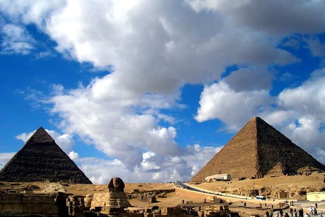 4-Hours Private Guided Tour to Giza Pyramids, Sphinx and The Valley Temple