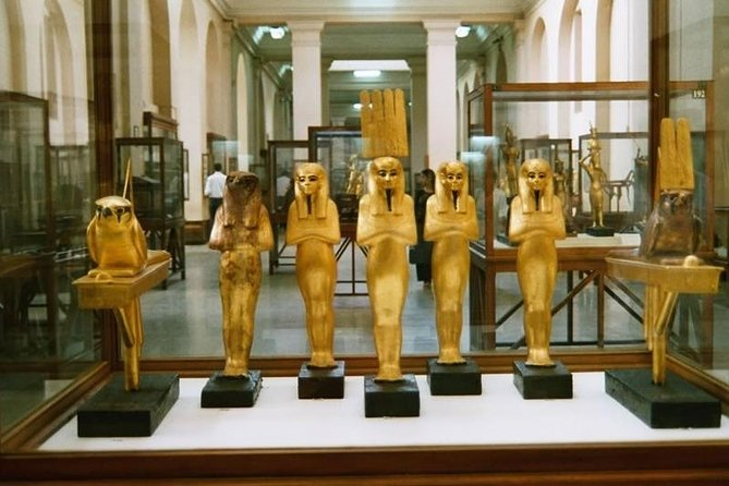 Day Tour to Giza pyramids, Sphinx, Egyptian Museum and Khan El-Khalili Bazaar