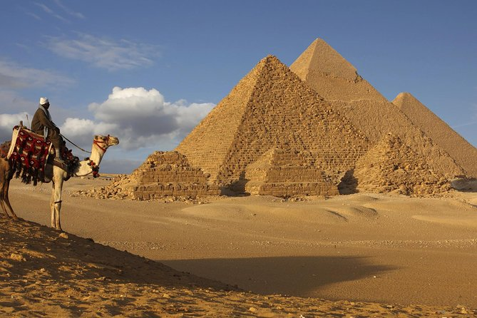 Private half-Day Guided tour to Giza pyramids With Quad Bike and Lunch
