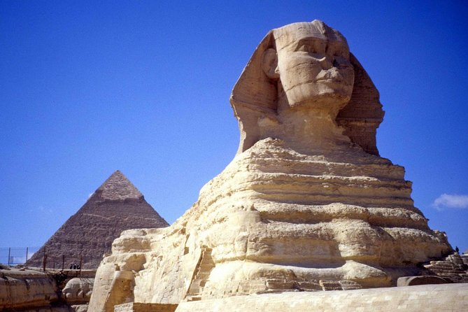 Layover tour to Egyptian Museum, Giza pyramids & Bazaar from Cairo airport photo 3