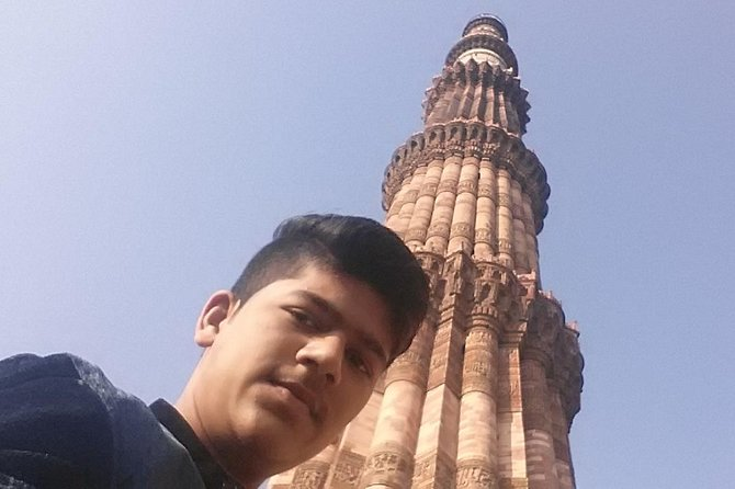 Private One Day Old and New Delhi Sightseeing Tour by Car