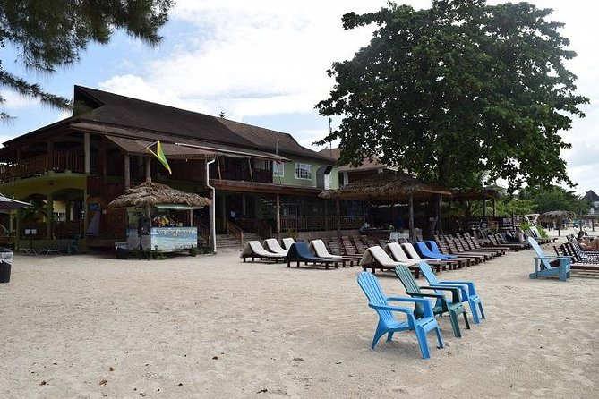 Playa Negril y Rick's Café