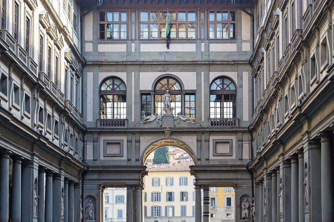 Skip-the-Line Tickets with Host - Uffizi Gallery in Florence