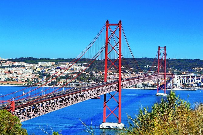 Lisbon Sightseeing by private car - Crossing the Bridges