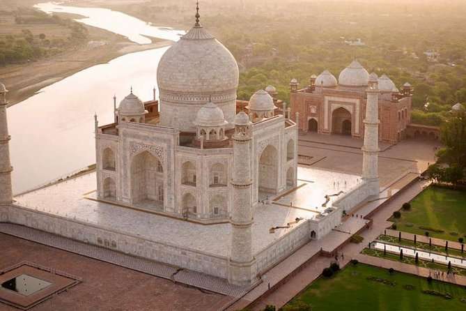 Private Tour : Same Day Taj Mahal Tour From Delhi with Agra Fort & Mehtab Bagh