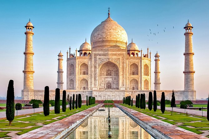 Agra Overnight Tour With Taj Mahal, Agra fort & Fatehpur Sikri