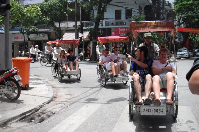Private Tour: Hanoi City Tour Including Water Puppet Show and Cyclo Ride