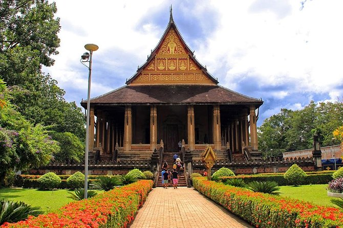 Explore Vientiane and Local Villages Biking Tour