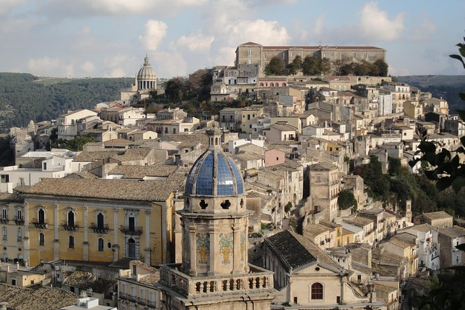 Ragusa and Modica Transfer Tour from Taormina to Siracusa including Lunch