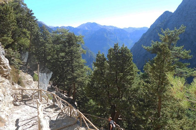Full Day Samaria Gorge 10-Mile Walking Tour