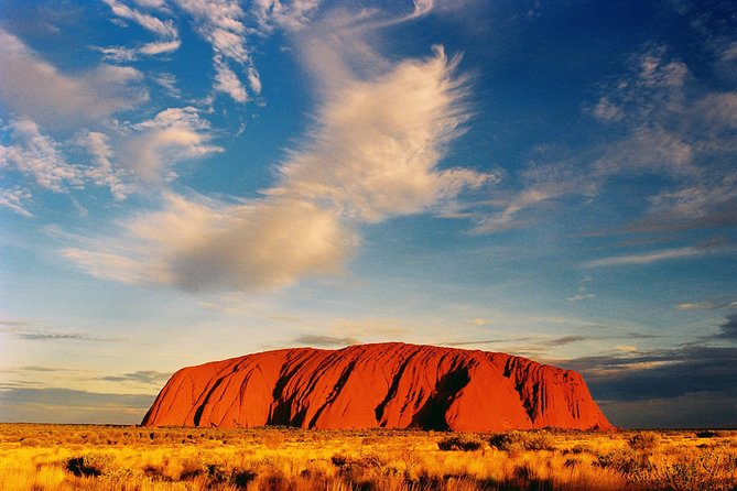 Ayers Rock Day Trip from Alice Springs Including Uluru, Kata Tjuta and Sunset BBQ Dinner