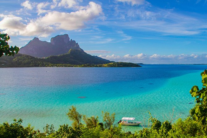 Bora Bora Combo Tour: Lagoon Cruise and 4WD Tour Including Snorkeling