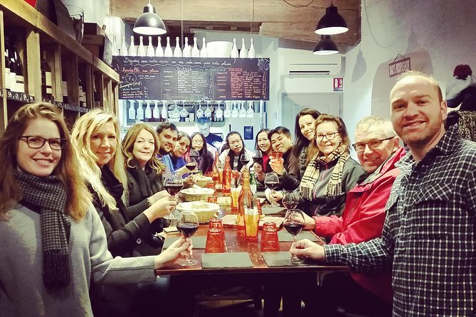 Lyon Old Town Half-Day Walking Food Tour with Local Specialties Tasting & Lunch