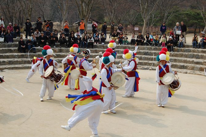 Suwon Hwaseong Fortress and Korean Folk Village Day Tour from Seoul