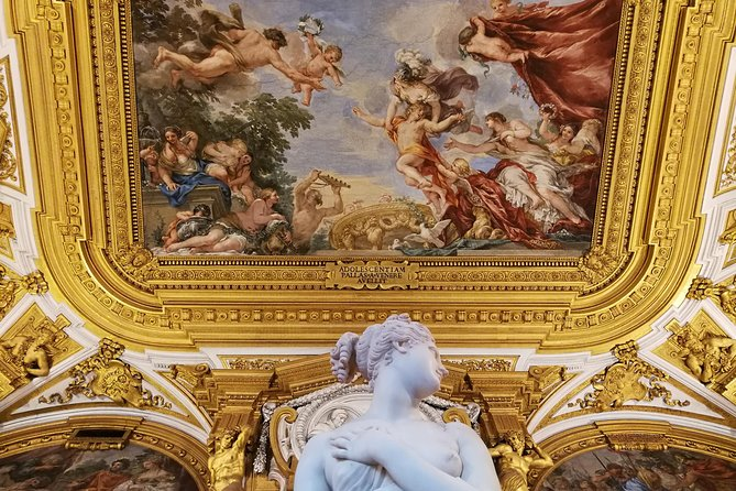 Pitti Palace & Palatina Gallery on a Up-to-Five-Participants Guided Tour