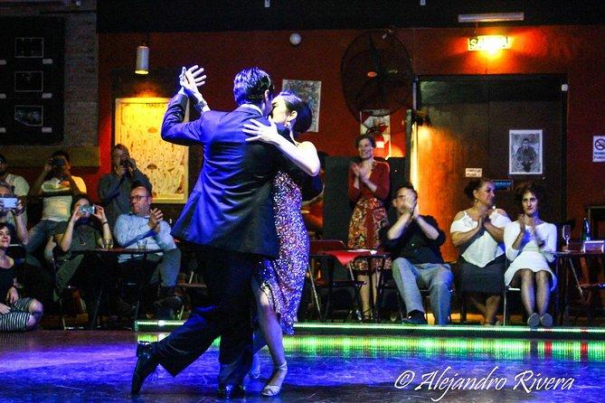 Small-group Tango milonga and lesson