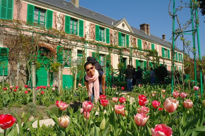 Train Ticket to Giverny with Entrance to Monet's Garden