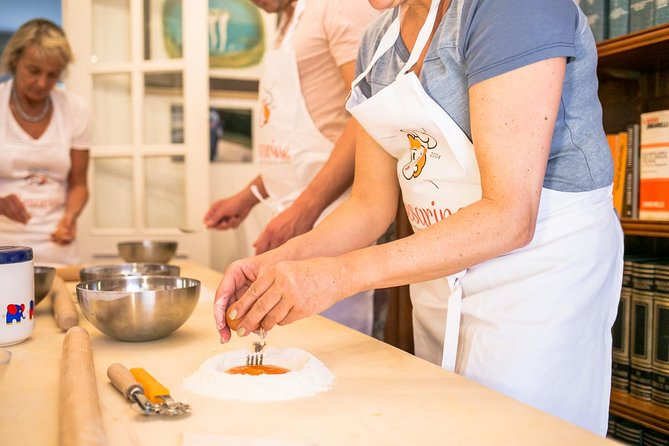 Private cooking class at a local's home with tasting in Florence