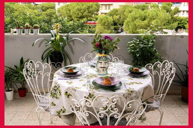 Dining experience at a Cesarina's home in Palermo with show cooking