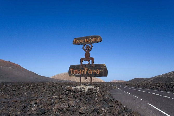 South Lanzarote Tour with Timanfaya Volcano Entrance