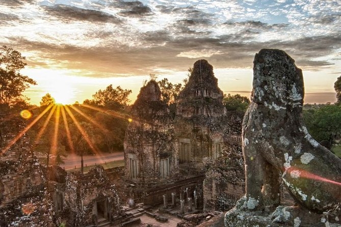 Full-Day Angkor Wat Sunrise Private Tour with Guide