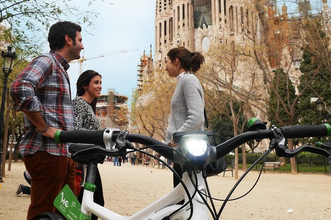 eBike Highlights Tour & Sagrada Familia skip the line ticket