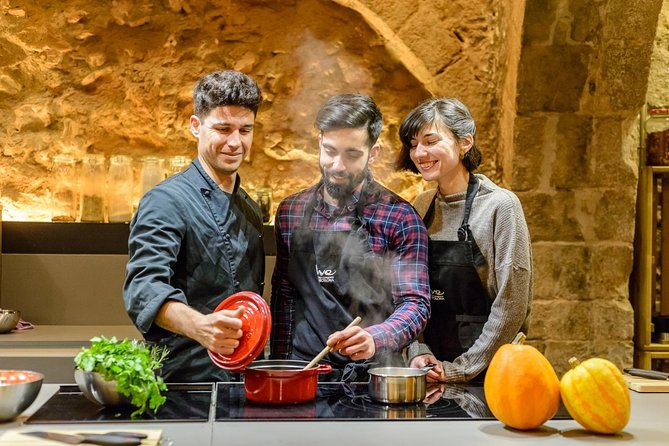 Barcelona Markets Tour & Paella Cooking with a Chef & Lunch