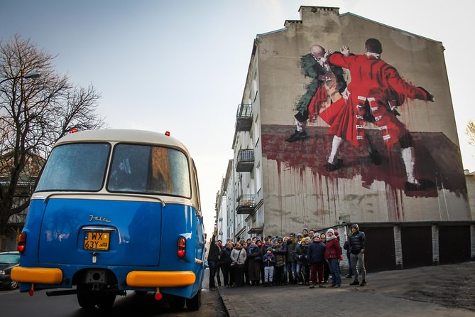 Dark Side of Warsaw Guided Tour: Praga District by Retro Bus