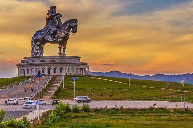 Terelj National Park & Chinggis Khaan Statue Tour with Professional Photographer