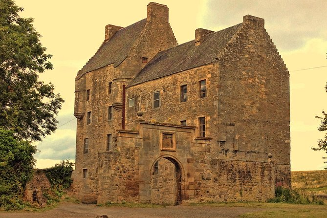Lallybroch Outlander tour - three castles tour from Private Tours Edinburgh