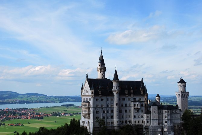 Private Mini Van Tour to Neuschwanstein Castle, Linderhof, Ettal & Oberammergau