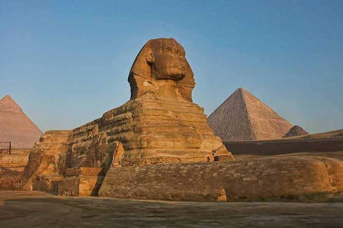 Tour to Cairo and the Pyramids from Hurghada by Private Vehicle