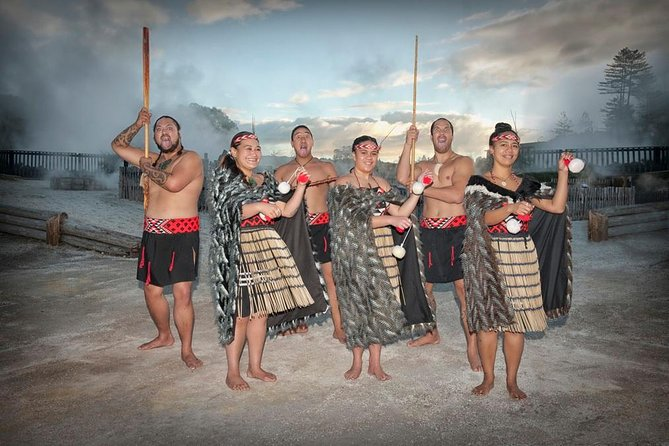 Whakarewarewa, The Living Maori Village Guided Tour with Optional Hangi Meal