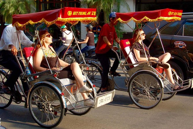 Hanoi Private Street Food Tour With Cyclo Ride