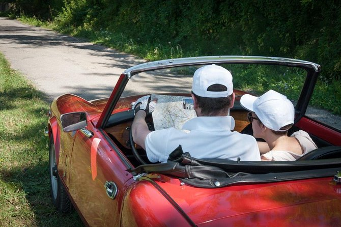 Drive a vintage cabriolet to the discovery of Piedmont territories, Half Day