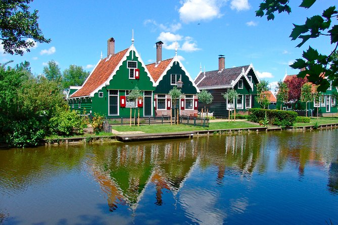 Volendam, Edam and Windmill Tour