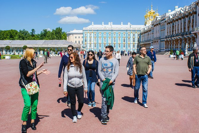 Catherine Palace and Park by Public Transport with Hotel Pickup