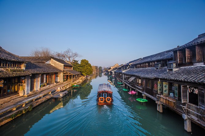 Wuzhen Water Town and Hangzhou City Highlights Combo Tour