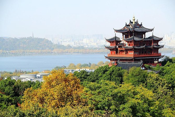 All Inclusive Luxury Tour of Private West Lake boat, Bamboo Forest & Tea Village