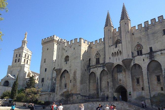 Aix-en-Provence, Avignon & Chateauneuf-du-Pape Private Day Tour from Marseille