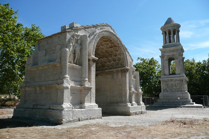 Provence Medieval Villages Private Tour including Arles from Aix-en-Provence