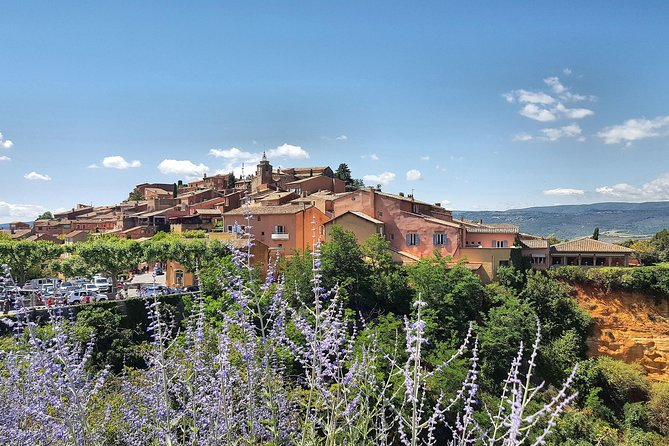 Provence Villages, Park & Lavenders Private Day Tour from Aix en Provence