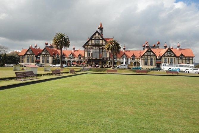 Rotorua Whakarewarewa Village Culture Experience with Free Hangi Lunch Included
