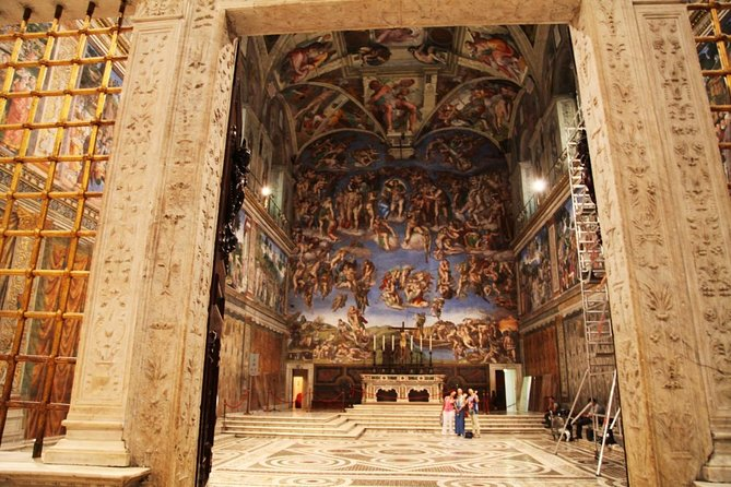Skip the line - Private tour: Vatican Museums Sistine Chapel, St Peters Basilica