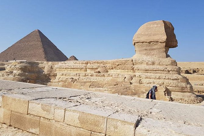 The pyramids and the Egyptian museum tour