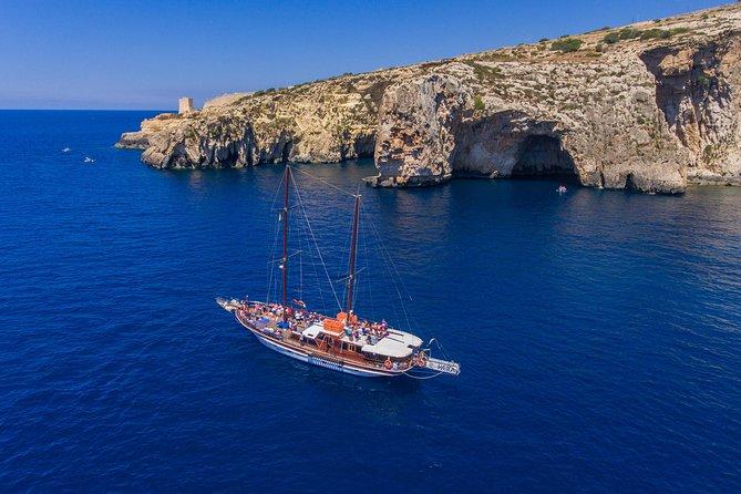 Hera Exclusive Round Malta & Blue Lagoon